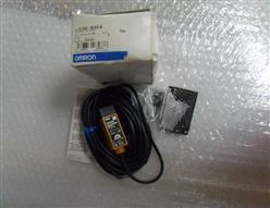 欧姆龙传感器E3S-R2E4